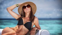 10 Secrets For Getting A Flawless Tan In Your 50s