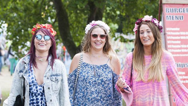 another chance c2243 108ee 13 cool and super-easy DIY ideas to upgrade your festival ...
