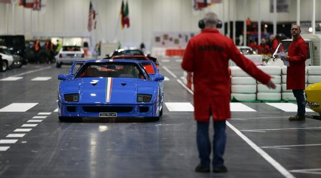 Unmissable Photos From The London Classic Car Show BT - Car show in london