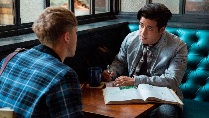 13 Reasons Why Season 2 Cast Whos Who In The Netflix Drama Bt