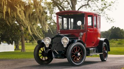 1917 Packard 2-25 Twin-Six Rear Entry Brougham