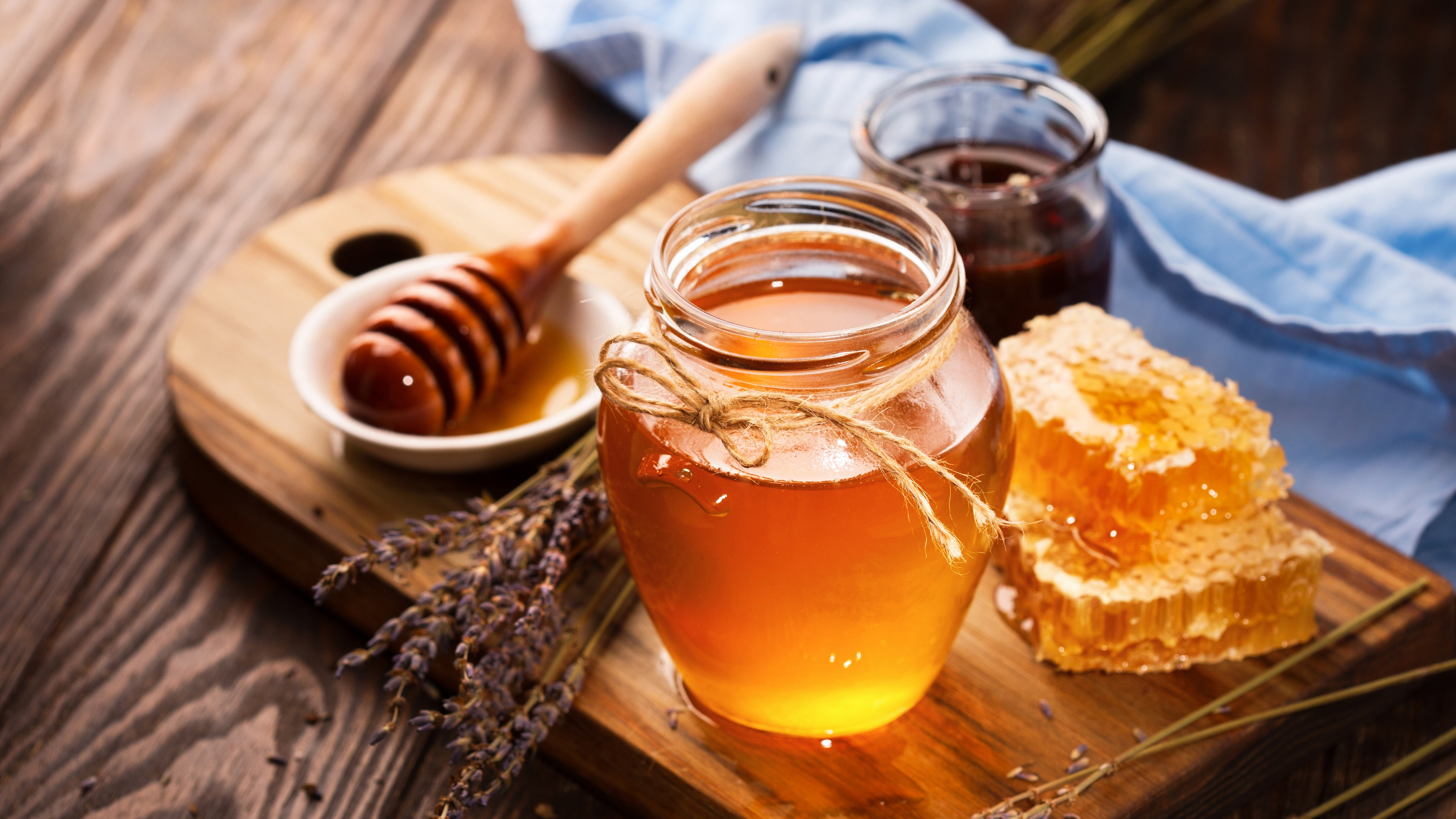 http://home.bt.com/images/6-surprising-health-benefits-of-honey-136426474967702601-180416092019.jpg