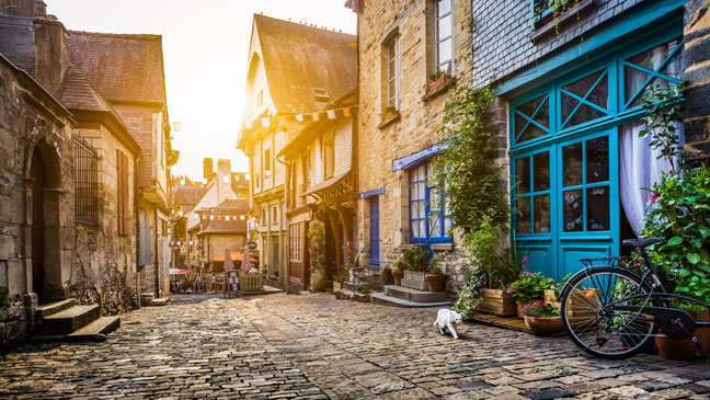 7 of the oldest roads to explore in the uk bt