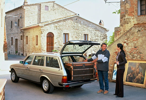 Everyday Classic Mercedes W123 The Munich Taxi That Cemented The