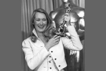 A fresh-faced Meryl Streep picked up her first-ever Oscar in a white cropped jacket and tulip-shaped dress in 1980.