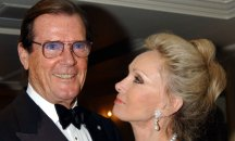 Actor Sir Roger Moore dies of cancer aged 89