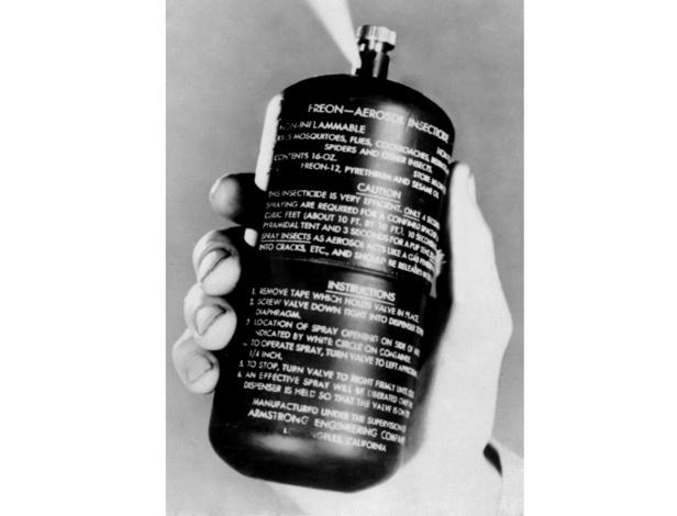 1943 aerosol advert