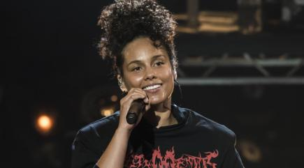 Alicia Keys Wins Amnesty `Ambassador of Conscience' Award