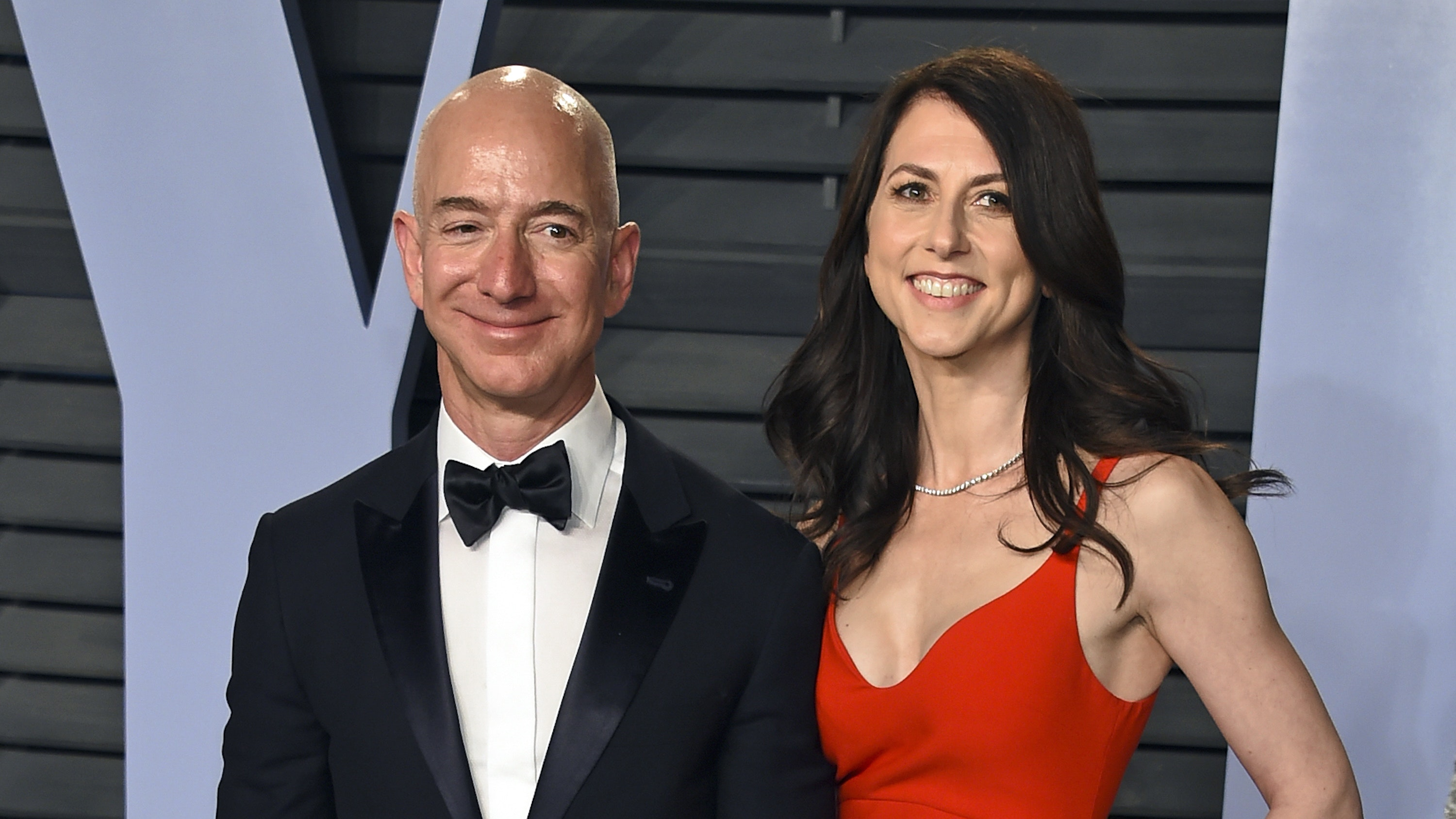 Amazon founder Jeff Bezos to divorce from wife after 25 ...