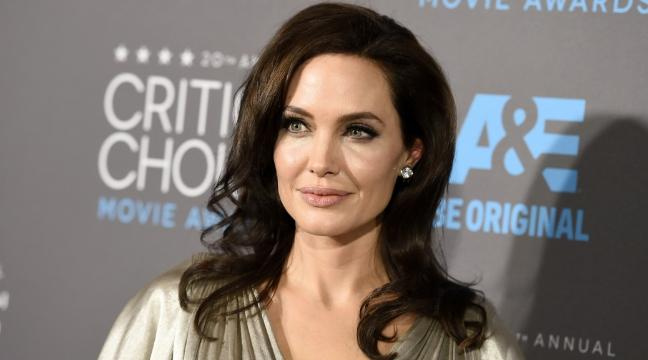 Angelina Jolie Id Like To Be Boba Fetts Missus In Star Wars