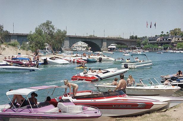 London Bridge reassembled in Lake Havasu City, Arizona