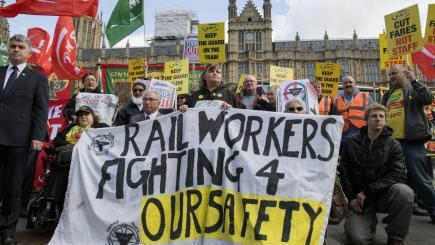 Northern rail strike to go ahead after talks fail