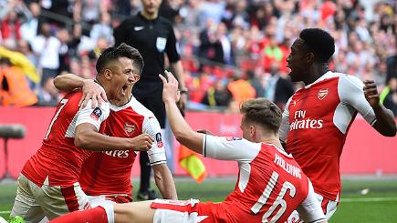 Arsenal beat Man City to reach FA Cup final
