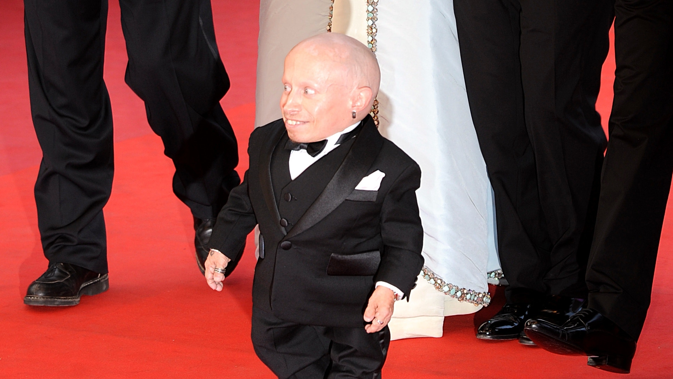 Austin powers star verne troyer dies aged 49 bt austin powers star verne troyer has died aged 49 his official social media accounts have confirmed bookmarktalkfo Image collections