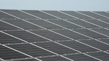 A rush by Australia's state governments to switch to clean electricity sources could undermine the country's energy security, the federal government has warned after an entire state lost power