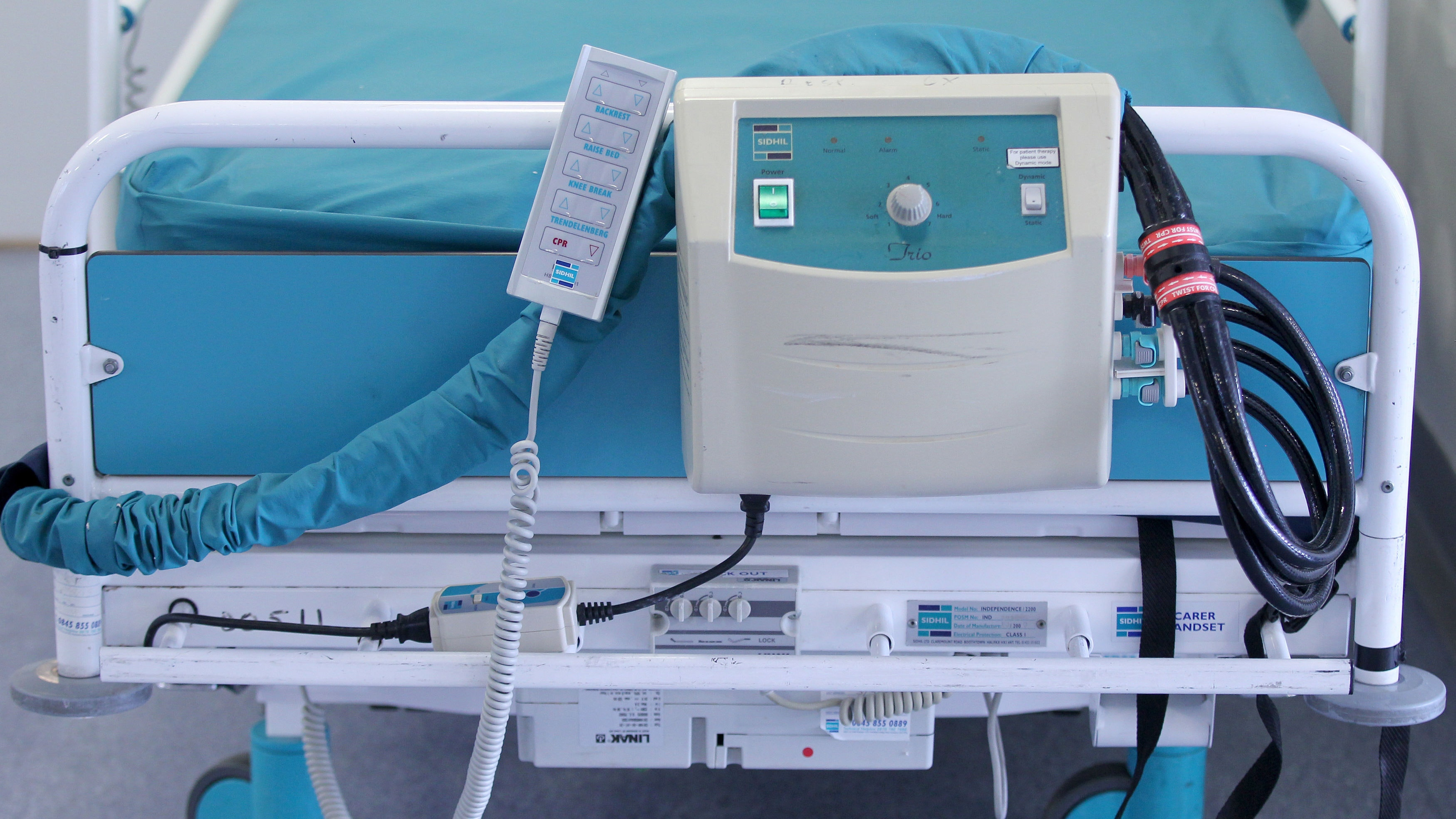 Bed blocking falls but cost to NHS still \'eye-watering\' Lib Dems say ...