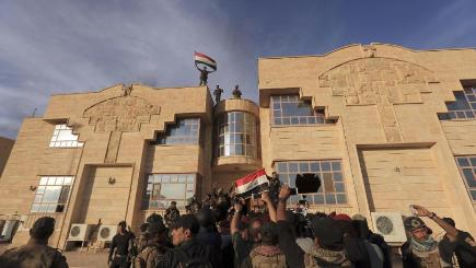 Iraqi Army Launches New Push on Town Near Mosul