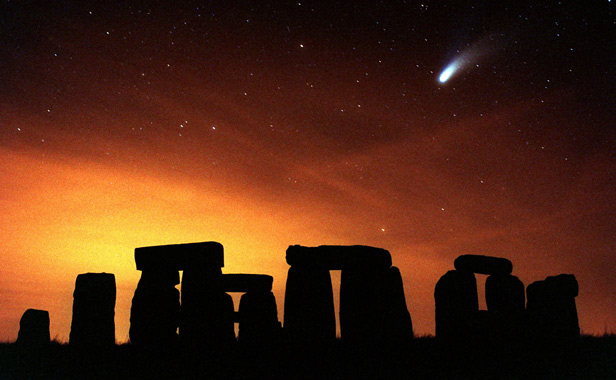 Comet Hale-Bopp as it appeared over Stonehenge in March 1997.