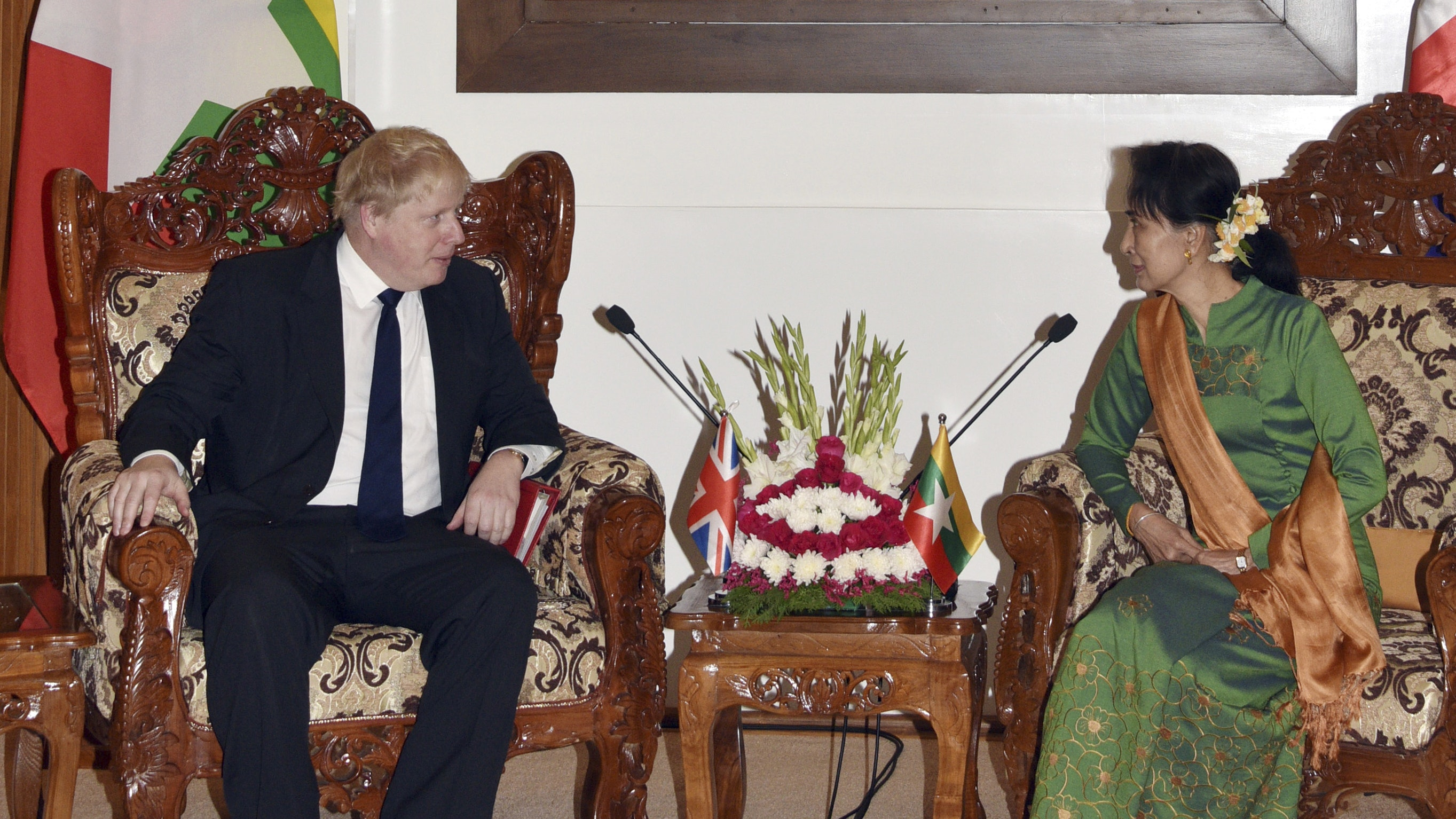 Boris Johnson doubts Aung San Suu Kyi understands 'horror' of Rohingya crisis