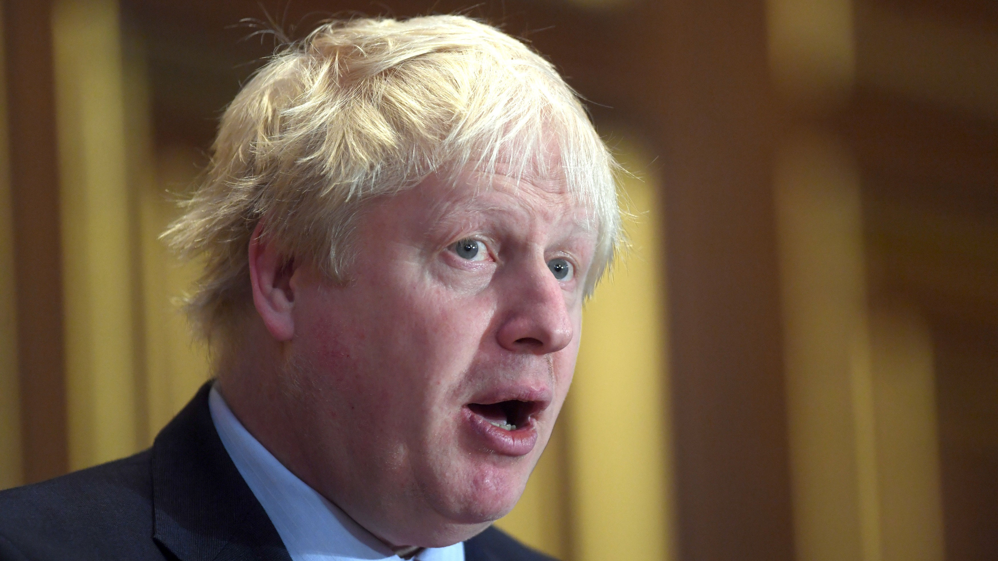 Johnson urges Aung San Suu Kyi to help Rohingya refugees
