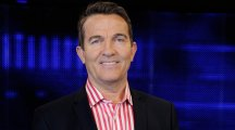 Bradley Walsh to host new ITV daytime quiz show Cash Trapped