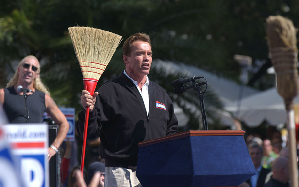 Schwarzenegger pledges to