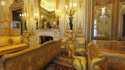 Buckingham palace queen bedroom and palaces on pinterest - Inside Buckingham Palace Royal Photography Pictures To Pin