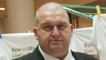 Carl Sargeant's family questions independence of inquiry