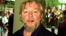 Celebrity tributes pour in following the death of Emmerdale actor Tony Haygarth, aged 72
