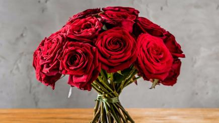 Cheapest places to buy last-minute Valentine flowers