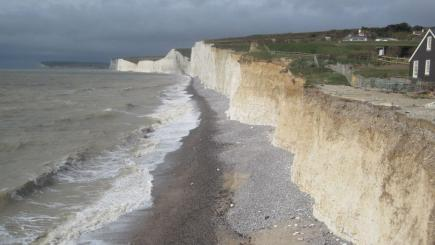 Kent Police issue warning about chemical mist spreading up coast