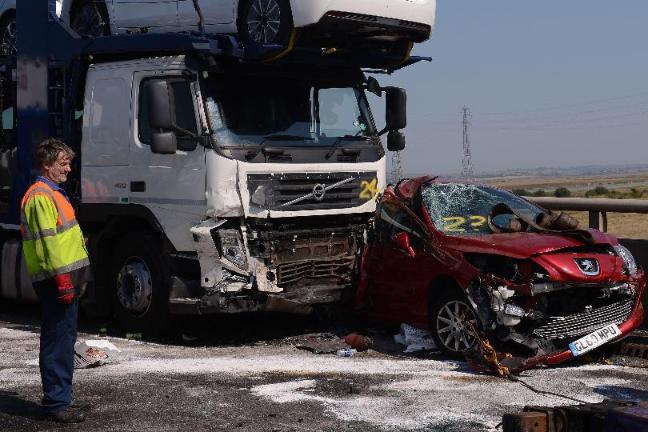 Crash deaths 'down 41% since 1960' - BT