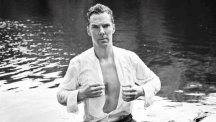 Benedict Cumberbatch poses as Mr Darcy for Cancer Research (Jason Bell/Dundas Communications/Twitter)