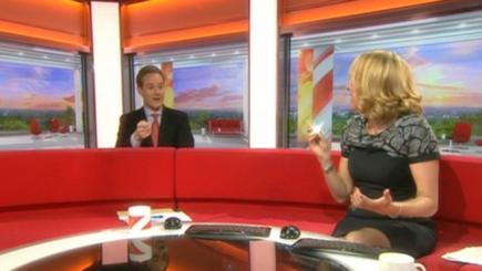 Dan Walker makes gaffe with new pound coin