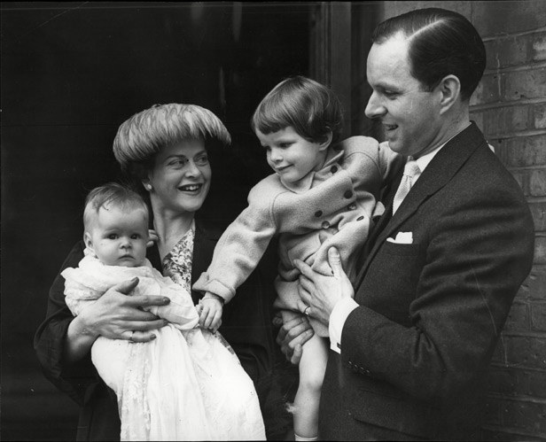 Daphne Oxenford with her husband and children in 1957.