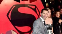 Director Zack Snyder quits Justice League movie after daughter's suicide