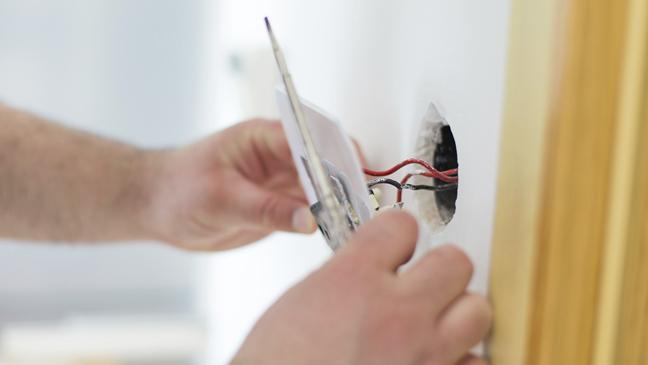 6 tips for finding a safe electrician - BT