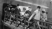 "Dr Hawley Harvey Crippen (right) leaving the liner ""Montrose"" escorted by Inspector Walter Dew, after he was arrested at sea for the murder of his wife, Belle Elmore."