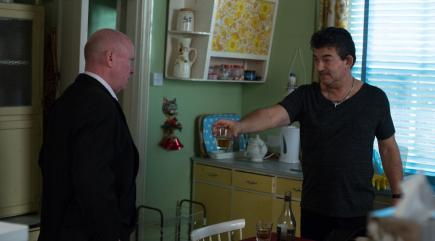 EastEnders' Phil Mitchell and Nick Cotton toast the New ...