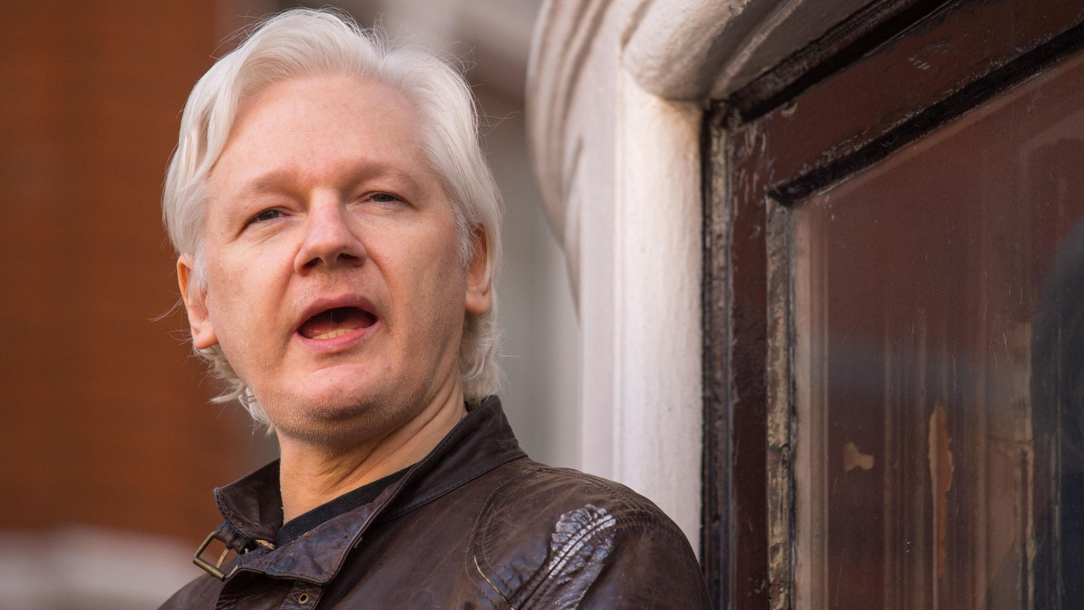 Ecuadorean Embassy Cuts Off Julian Assange's Internet Access