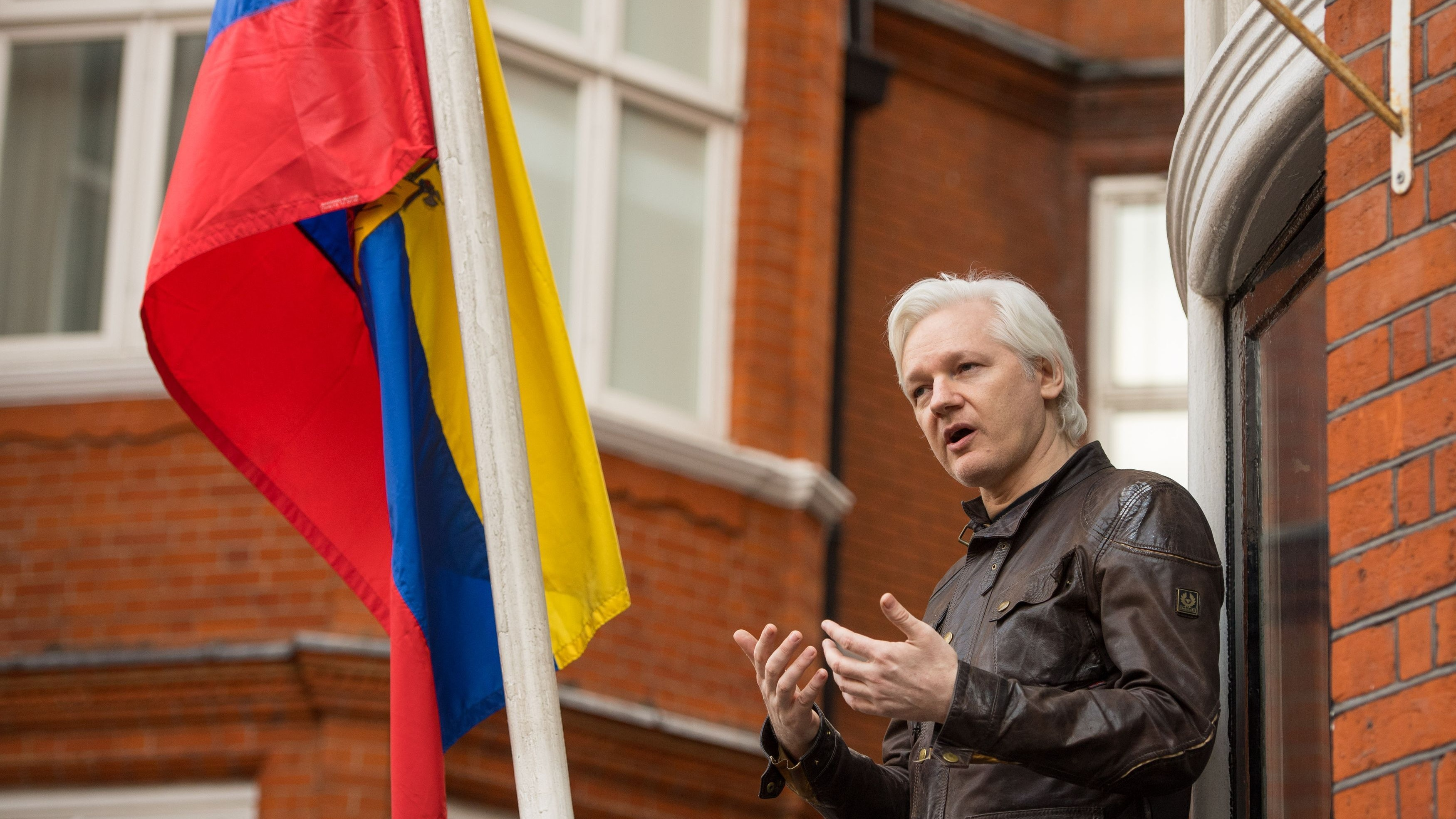 Ecuador Punishes WikiLeaks Founder in London Embassy for Political Meddling