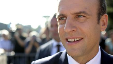 French gov't resigns, is reappointed