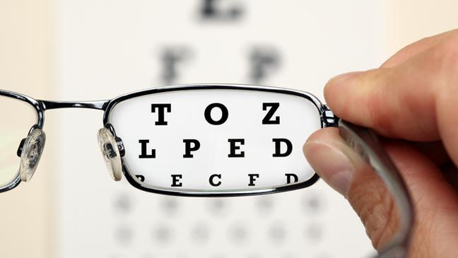 61d1b024c485 Reading test with glasses