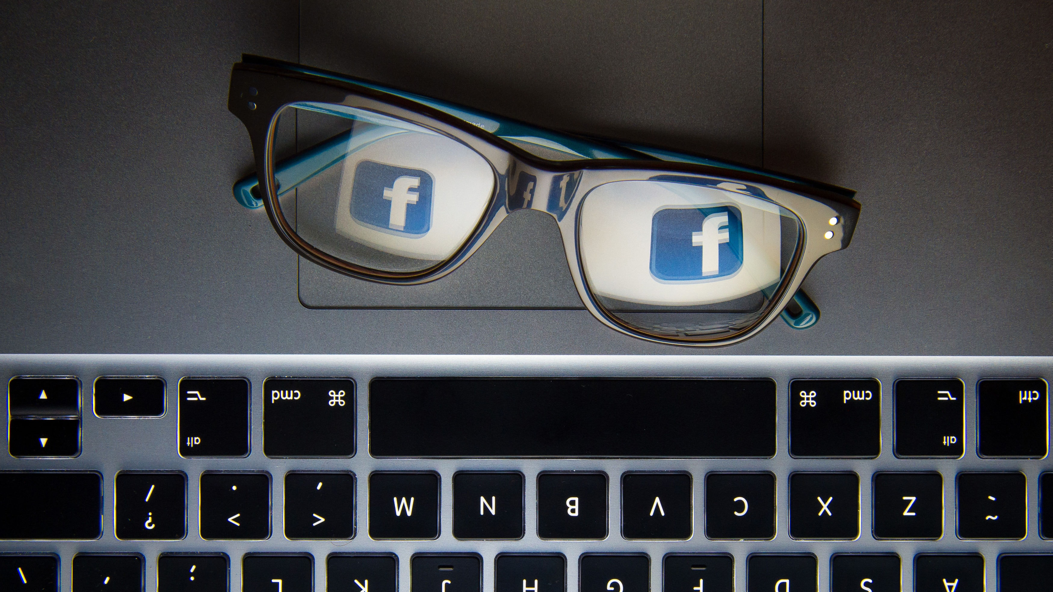 Widespread Facebook outages reported online