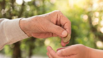 Grandparents 'gift £100's each year'
