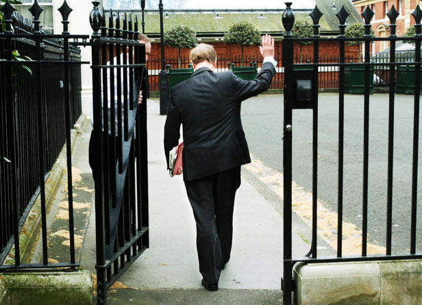 Robin Cook bids farewell at his offices in Carlton Gardens the day after his resignation.