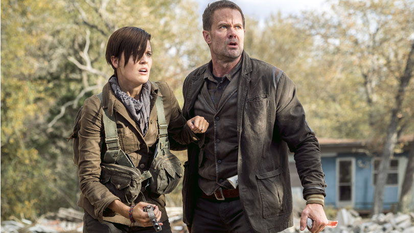 Fear the Walking Dead - Maggie Grace and Garret Dillahunt as Althea and John