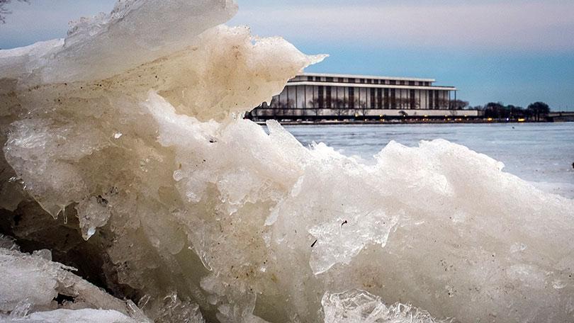 Striking Snap Of Frozen Wave Encapsulates Dramatic Us