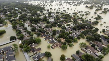 Louisiana braced for floods as Storm Harvey makes landfall for second time