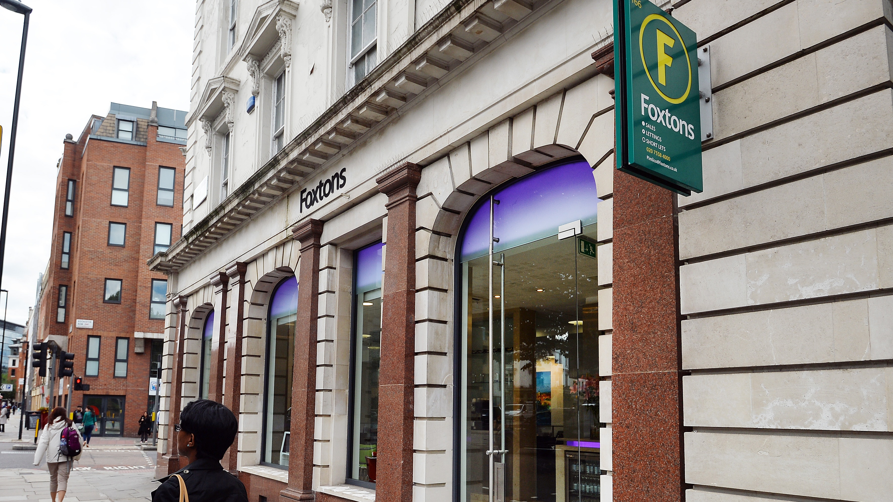 Foxtons profits fall 65% as London market slows